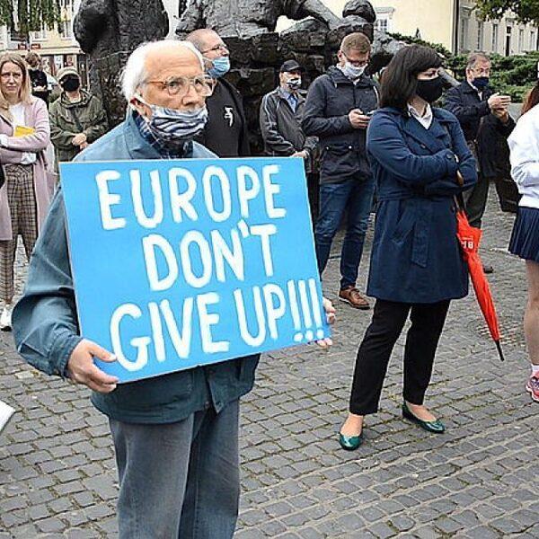 Rechtspraak in Polen niet onafhankelijk: 'De EU moet keihard ingrijpen'