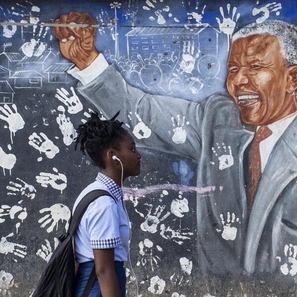 'De idealen van Nelson Mandela zijn deels verwezenlijkt in Zuid-Afrika'