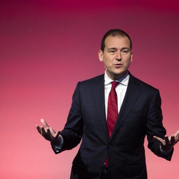 PvdA-leider Asscher vreest economische recessie door corona