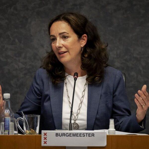 Harde verwijten aan Halsema in debat over demonstratie op Dam