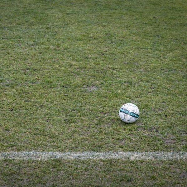 KNVB spreekt van 'historisch moment': vanaf volgend seizoen gemengd voetbal in hoge competities
