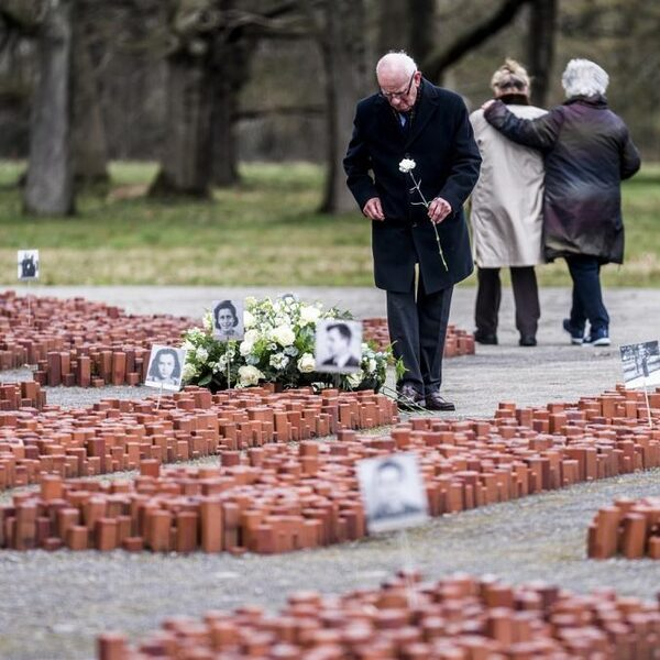 76 jaar na bevrijding van Kamp Westerbork: 'Als ik hier ben, besef ik me dat ze mij niet te pakken hebben gekregen'