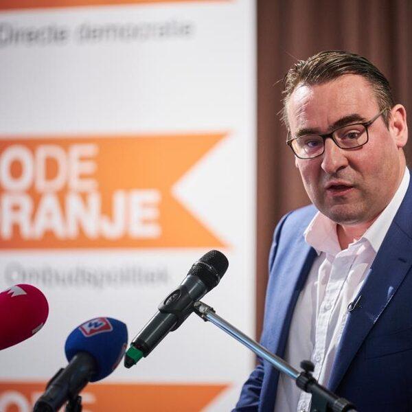 Richard de Mos van Code Oranje: 'Vuurwerkverbod is fopspeen'