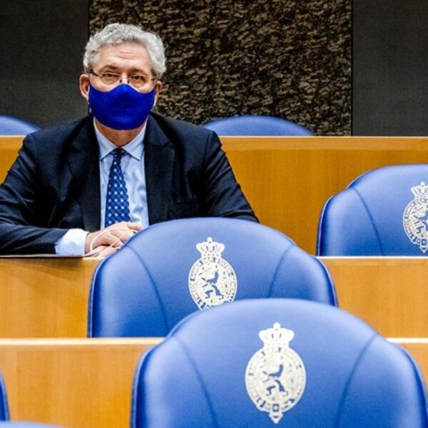 Henk Krol wil duidelijke maatregelen en wekelijkse persconferentie: 'Mensen snappen het niet meer'