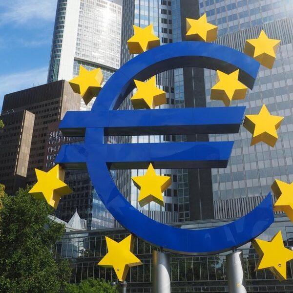 Ja hoor, de euro overleeft wéér een crisis
