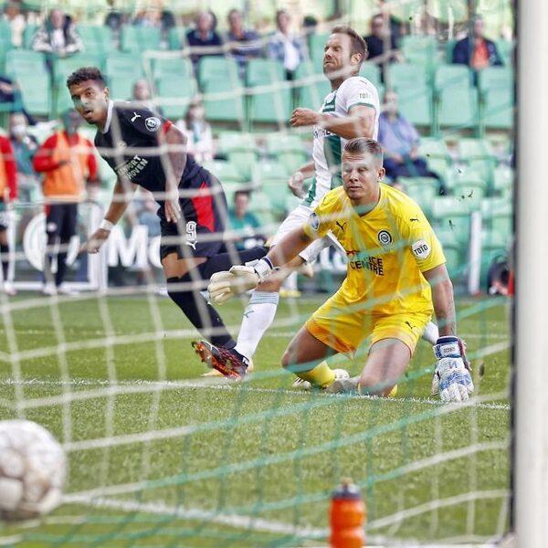 PSV verslaat FC Groningen, terugkeer Robben van korte duur
