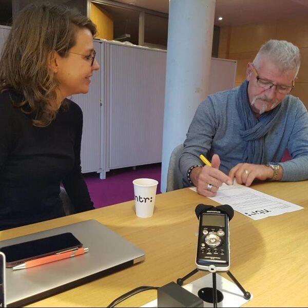 NPO Radio 1 wil podcasts toegankelijker maken voor ouderen