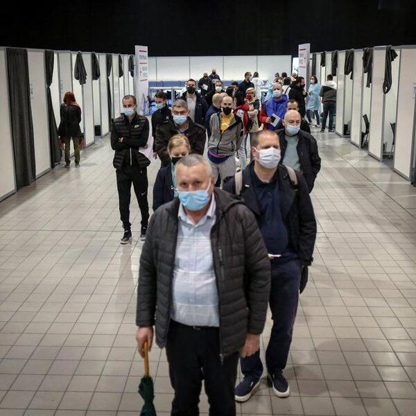 Vaccintoerisme: naar Servië voor een prikkie