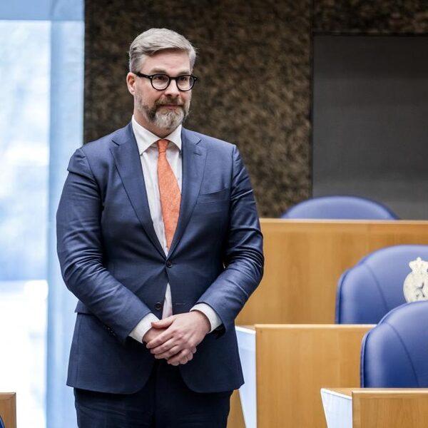 Oud-D66 leider Van der Laan reageert op onderzoek naar ongewenst gedrag Sidney Smeets: 'Ook kijken naar schade voor de Kamer'