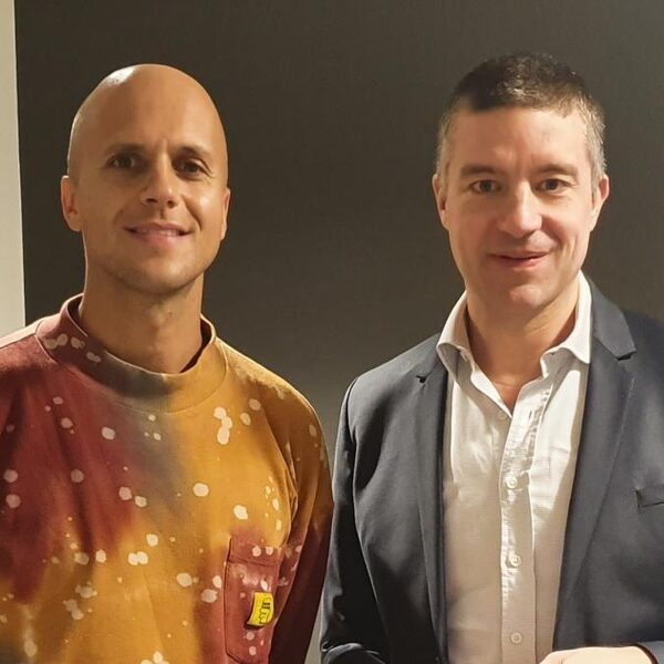 Milow: 'Ayo Technology was puberaal gezwets over pornografie'
