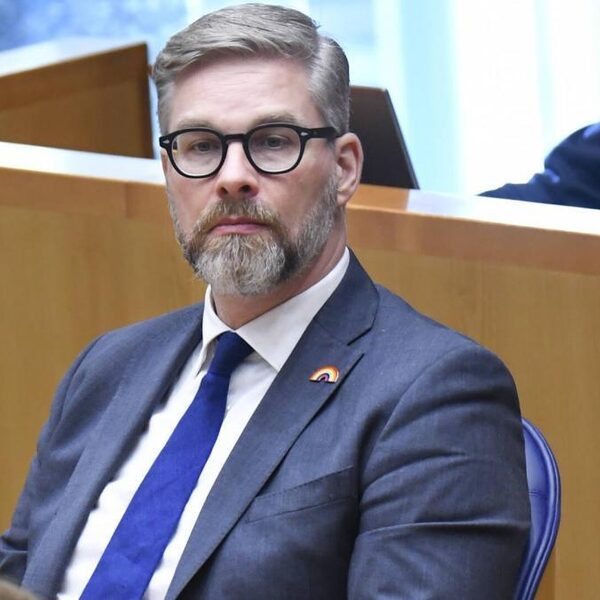 Sidney Smeets treedt terug als Tweede Kamerlid van D66 na beschuldigingen