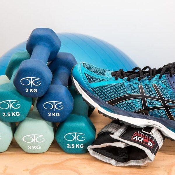 Hoe blijven we fit nu alle sportverenigingen en sportscholen gesloten zijn?