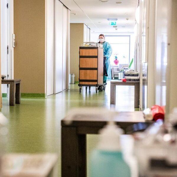 Situatie rond corona in verpleeghuizen 'was een klerezooi'