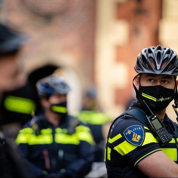 '25-35% van politiemensen mogelijk niet meer inzetbaar door coronabeleid'