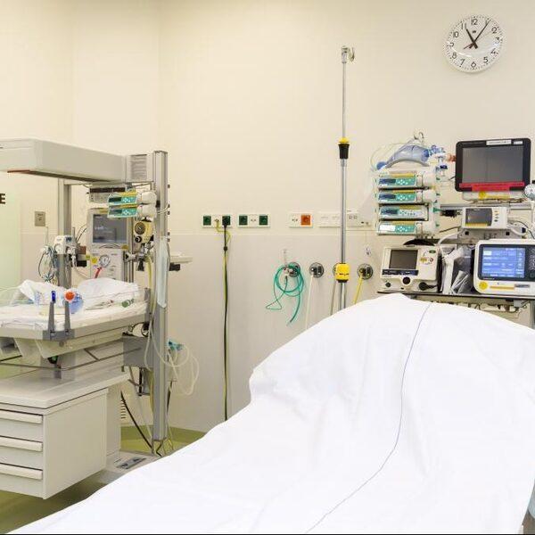 Dakterras voor IC-patiënten Rijnstate ziekenhuis: 'Je moet even die zon op je gezicht voelen'