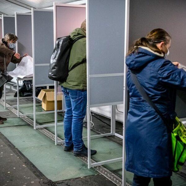 Alle stembureaus open, de start van het tellen en het laatste debat: het is verkiezingsdag
