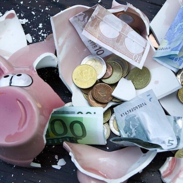 Hoe zorg je voor een goede spaarbuffer en hoeveel moet dat zijn?
