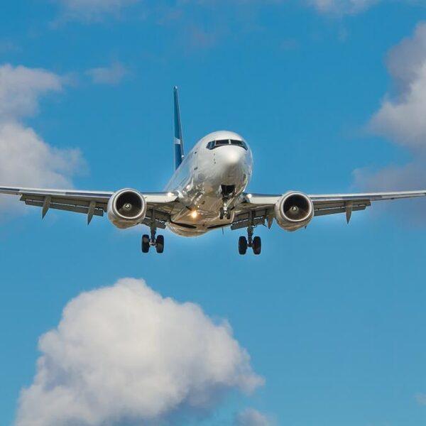 Minimumprijs voor vliegtickets: '35 euro voor een vliegticket, dit zal voor veel mensen als een grote klap komen'