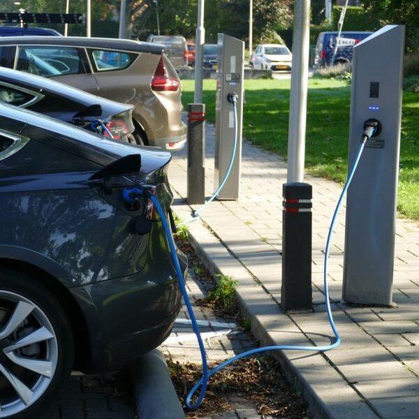 Vijf vragen over: elektrisch rijden wordt nieuwe toekomst van Audi