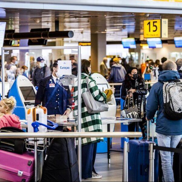 D66: 'Vakantiereizen kunnen nu te makkelijk, vliegverbod moet weer op tafel komen'