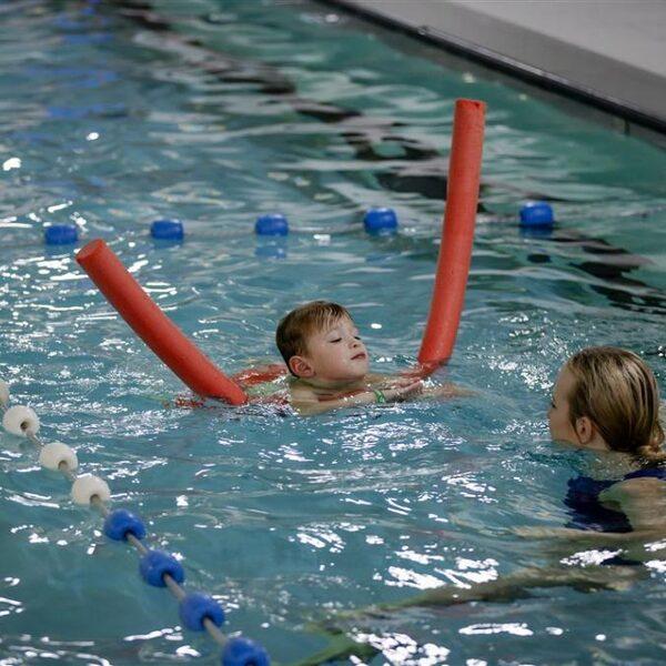 Wachtlijst zwemles loopt op: 'Ouders wees gewaarschuwd'