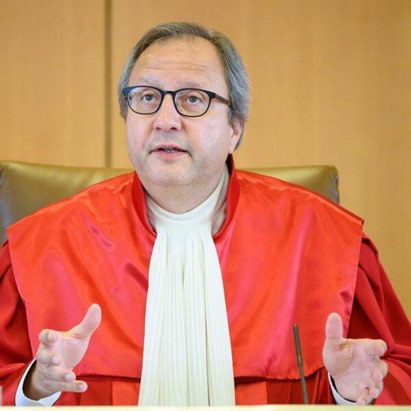 Komen er scheuren in de macht van het Europese rechtssysteem?