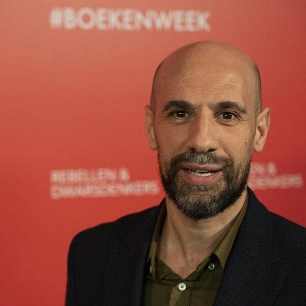Abdelkader Benali doet voordracht op 4 mei: 'In de stilte hoor je de niet vertelde verhalen'