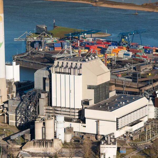 De biomassacentrale: minder vervuilend dan een houtkachel?