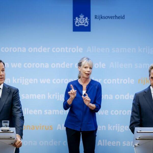 Dringend advies Rutte: maximaal 6 gasten ontvangen 'in privésfeer' en thuiswerken