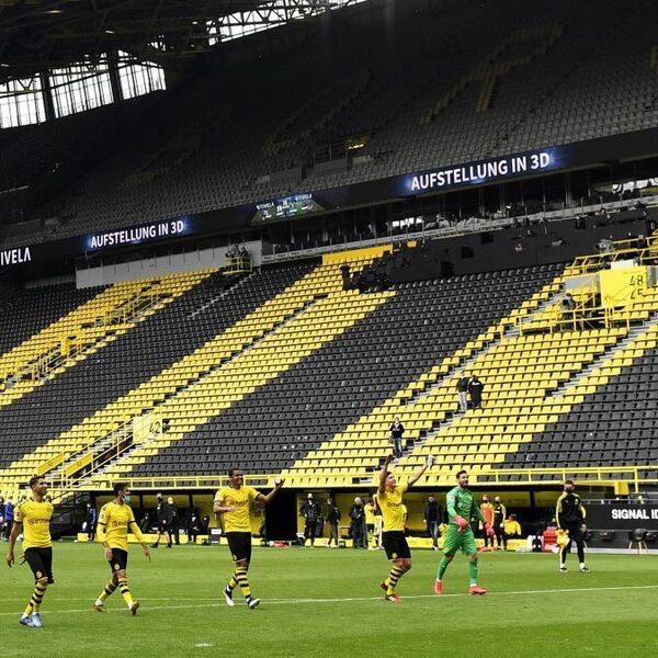 Oplossingen voor een leeg voetbalstadion: start de geluidsband!