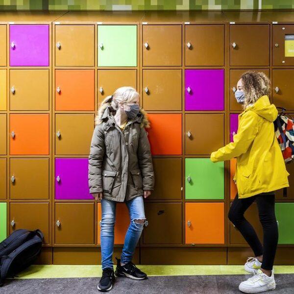 KidsRights: 'Open middelbare school, geef jongeren weer lucht'