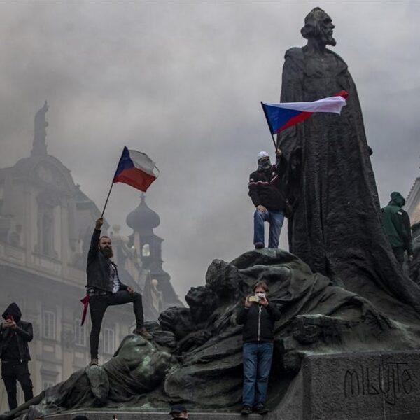 Podcast De Dag: Wat is er aan de hand in Tsjechië?