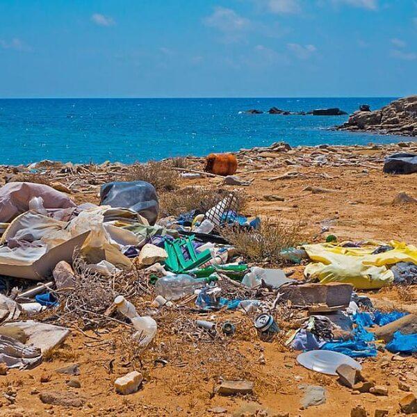 Atlantische Oceaan bevat veel meer plastic dan gedacht