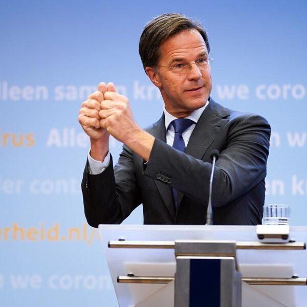 Verschuilt Rutte zich terecht achter 'het systeem'?
