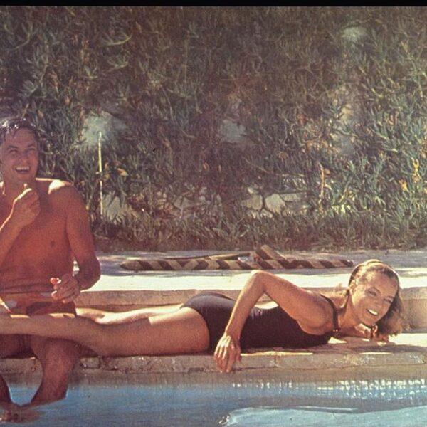 Het zwembad is dé plek voor erotiek, misdaad en dromen
