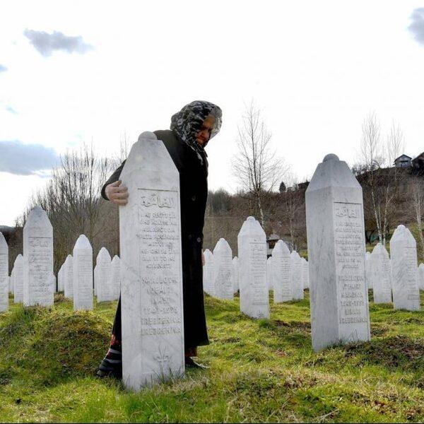 Hoge Raad: Nederland voor 10 procent aansprakelijk voor dood moslimmannen Srebrenica