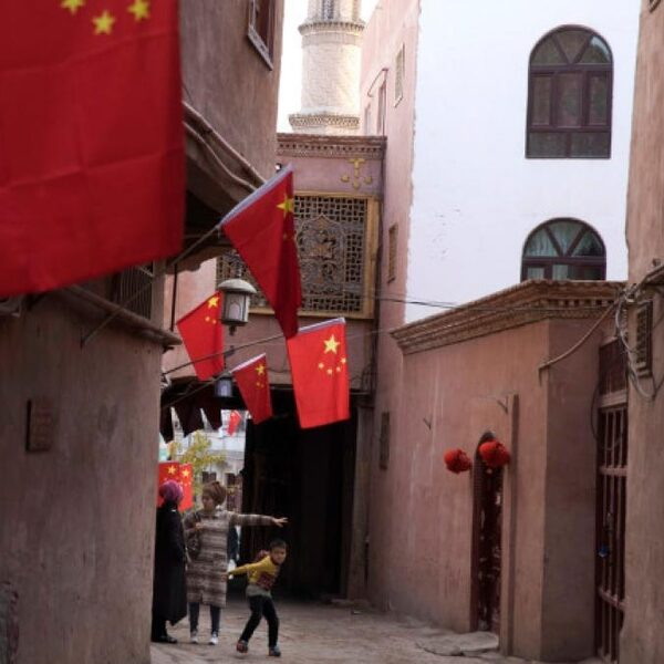 Nederlander ontdekt Chinees datalek: 2,5 miljoen burgers onder surveillance in Xinjiang