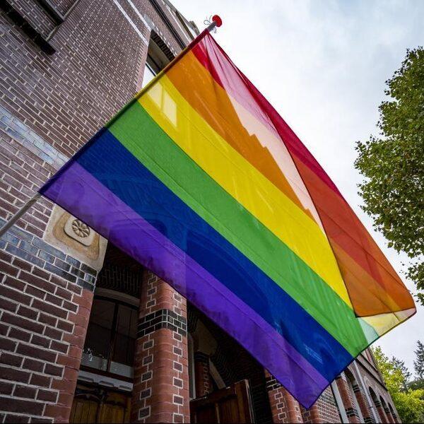 Moeten we luisteren naar belager van homostel in Amsterdam?