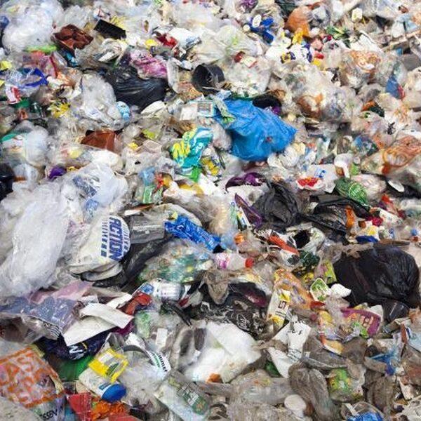Plastic afval recyclen heeft weinig effect op milieu