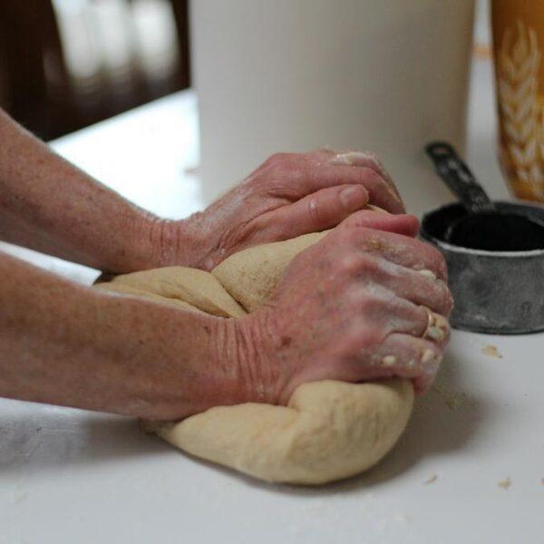 Zo maak je eenvoudig zelf een lekker brood