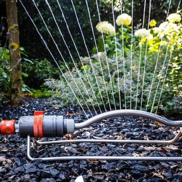 Waterverbruik fors gestegen: 'Water verbruik je toch, maar je hoeft het niet te verspillen'