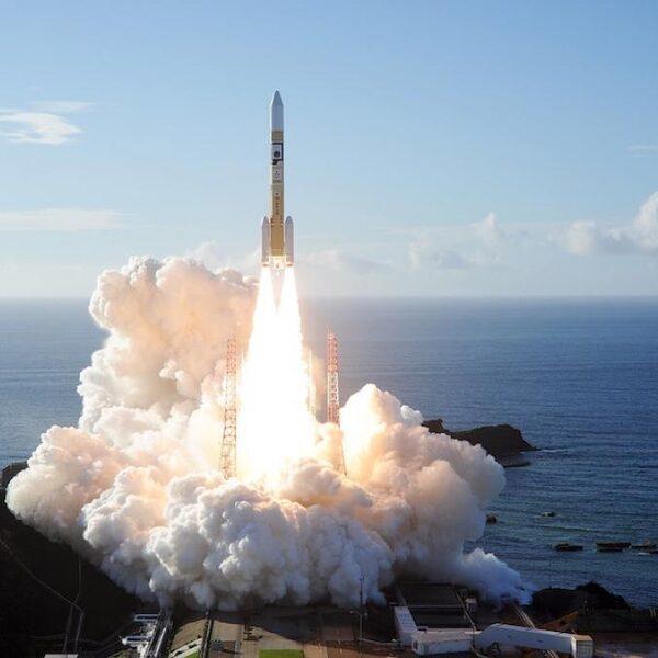Verenigde Arabische Emiraten lanceren satelliet naar Mars