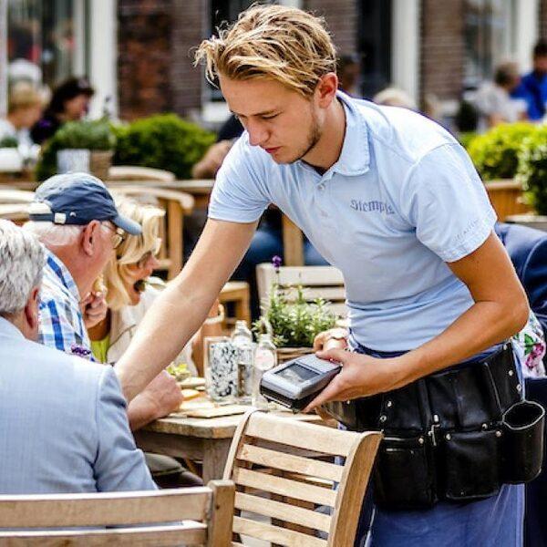 'Het steunpakket van de overheid is niet bedacht op jongeren en flexwerkers'