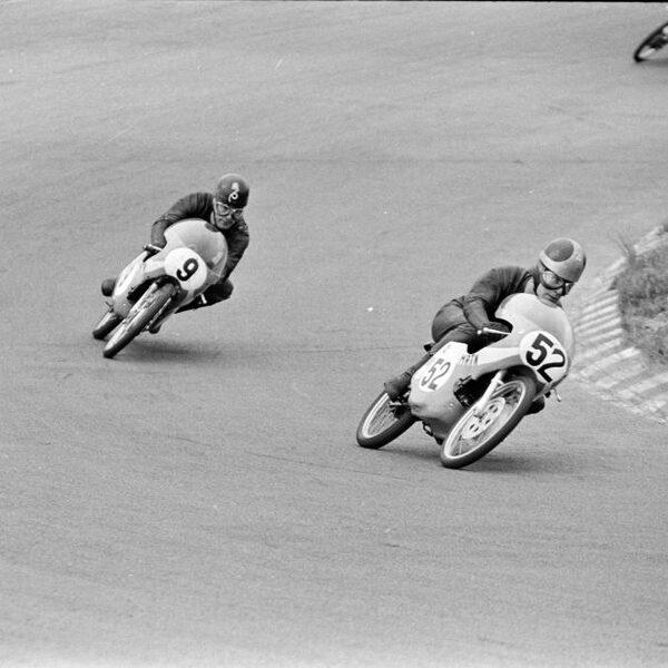 Terug naar de eerste GP-overwinning van motorcoureur Van Kessel 50cc