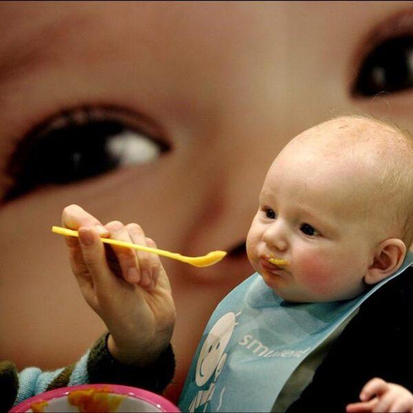 Elke bevalling een probleem? Elk kind een zorgkind?