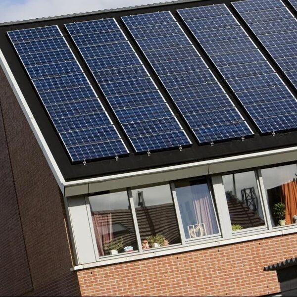 Mag je zelf zonnepanelen plaatsen op je huurhuis?