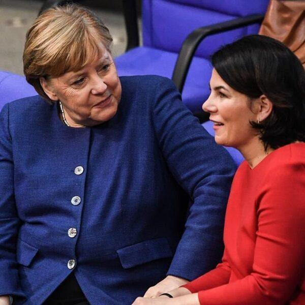 Podcast De Dag: Annalena Baerbock - in drie jaar van onbekend naar 'nieuwe Merkel'