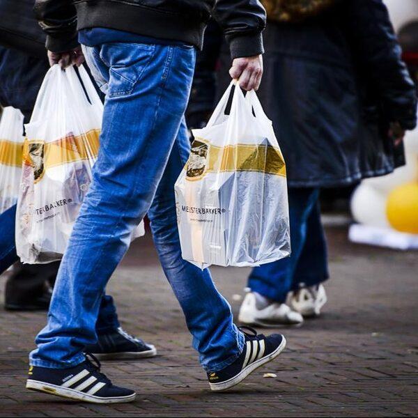 Verbod op niet-afbreekbaar plastic op komst: 'Niet voldoende, wel goed begin'