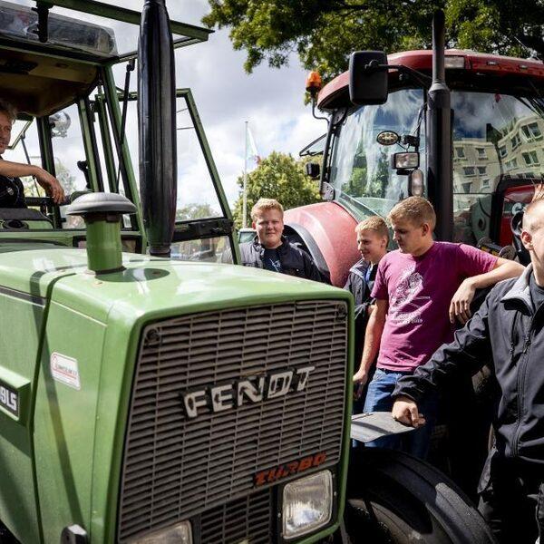 Boeren gaan vandaag weer demonstreren bij het RIVM