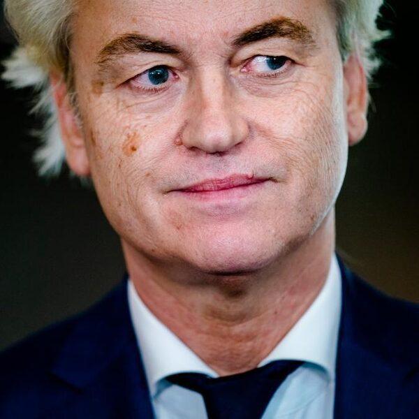 Complimenten voor 15 jaar PVV maar Wilders gaat 'ervandoor' als het moeilijk wordt